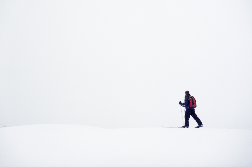 chase-skiing-whiteout7